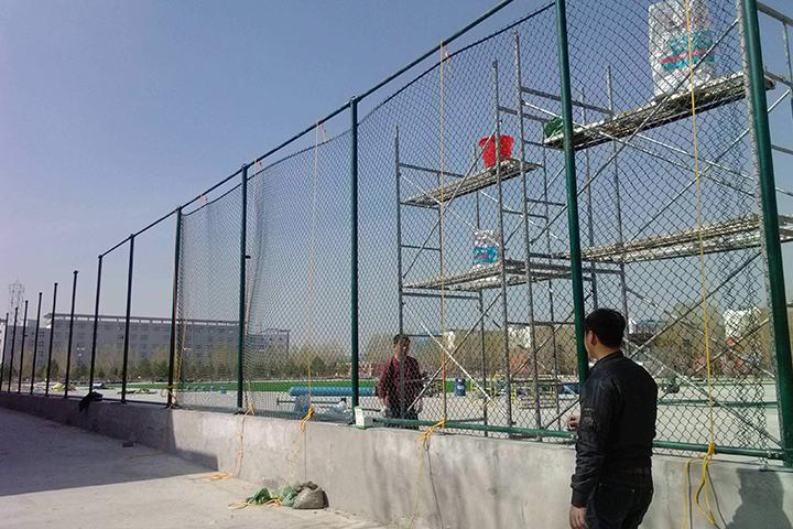 足球场围网案例